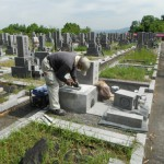 橿原市営香久山墓園で耐震施工をいたしました。