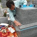 橿原市営香久山墓園のお墓に耐震化工事をいたしました。