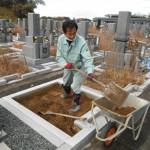 橿原市の香久山墓園でお墓の工事に着手しました。その後、工場にて加工作業です。