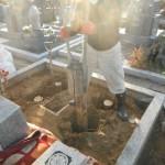 橿原市のお墓工事で、松杭を打ち、基礎工事をいたしました。