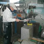 橿原の工場で、石碑の加工をいたしました。