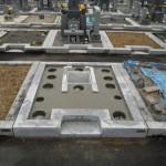 橿原市営香久山墓園で墓石の工事を着手しました。(基礎工事)